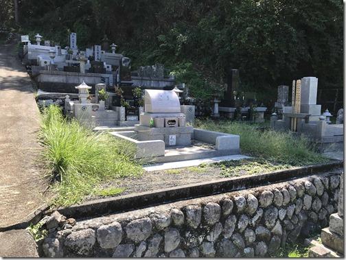 お墓の雑草対策なら石井石材へ (4)
