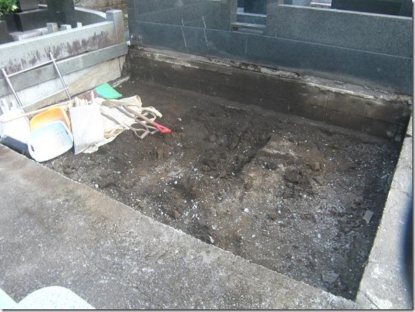 お墓と納骨室のリフォーム免震施工なら静岡維持伊東の石井石材におまかせください2