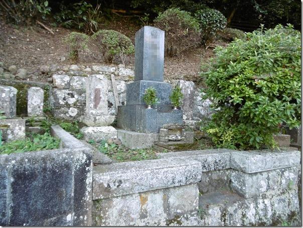 お墓のお掃除クリーニングメンテナンスは静岡伊豆伊東東伊豆の石井石材へ1